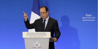 """Hollande pide acción antiterrorista """"resuelta"""""""