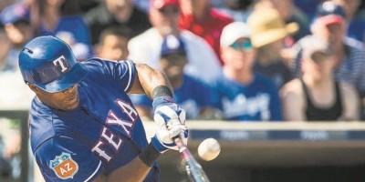 Adrián Beltré conecta tres hits en su regreso con Texas