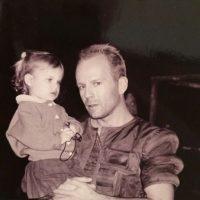 Tallulah Willis con su papá, el actor Bruce Willis Foto:Instagram @buuski
