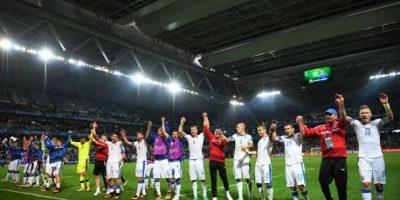 En tanto, Eslovaquia quiere llegar a octavos de final en la primera Euro que disputa Foto:Getty Images