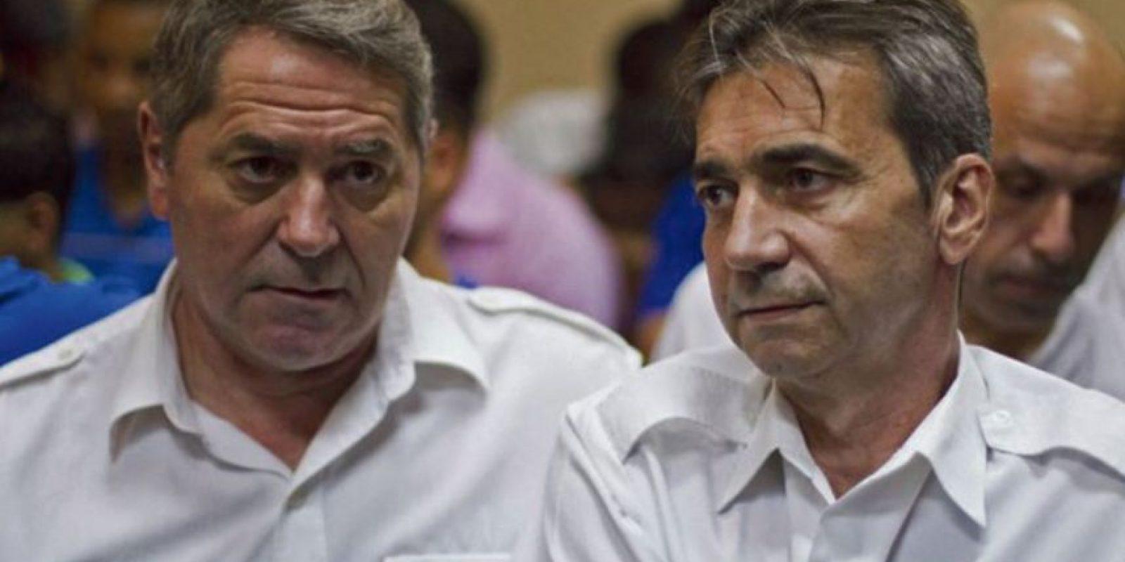 Los pilotos franceses que luego de ser condenados a 20 años de cárcel se fugaron Foto:Fuente Externa