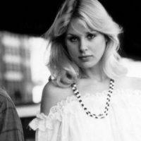 Dorothy Stratten fue una conejita Playboy cuyo celoso marido la ató a una silla sexual. Luego le dio varios tiros en la cabeza que le desparramaron el cerebro. Foto:vía Getty Images