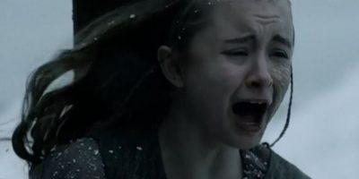 Shireen Baratheon fue quemada viva ante sus padres, que nada hicieron por ella. Foto:vía HBO