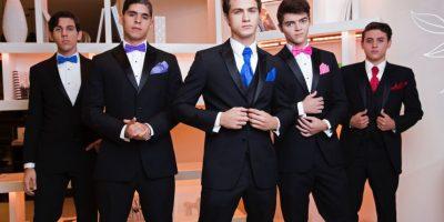 Leonardo's: Diseños modernos y colores brillantes para los graduandos 2016