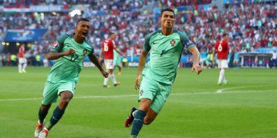 Con sus tantos ante los húngaros, Cristiano Ronaldo se convirtió en el primer jugador en anotar en cuatro Eurocopas Foto:Getty Images