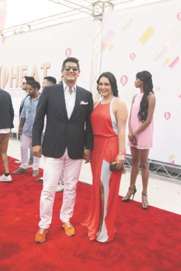 Una pareja bien puesta: Eddy Herrera y Martha Morales Foto:Roberto Guzmán