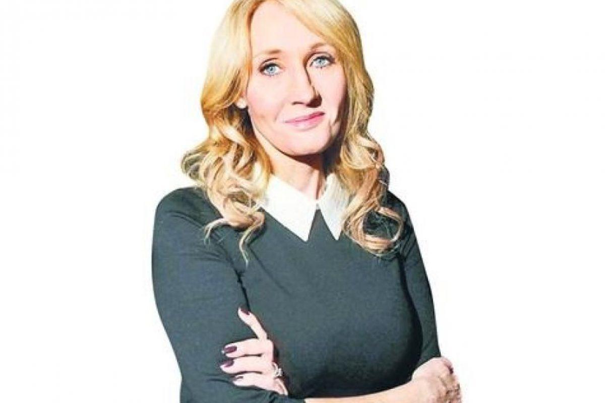 """2- J.K. Rowling. La escritora creadora de la saga de Harry Potter, defendió la importancia de la Unión Europea como símbolo de paz: """"No quiero abandonar una unión que ha traído a la región más paz y estabilidad de la que nunca conoció"""", escribió en Twitter. Foto:Fuente externa"""