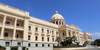 Medina sustituye directores del IDSS, DGII, SNS y Edesur