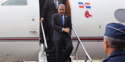 Medina regresa tras participar en Cuba en acuerdos por la paz colombiana