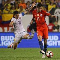 4. El joven chileno Erick Pulgar (22 años) que vio actividad en la semifinal ante Colombia nació un año después Foto:Getty images