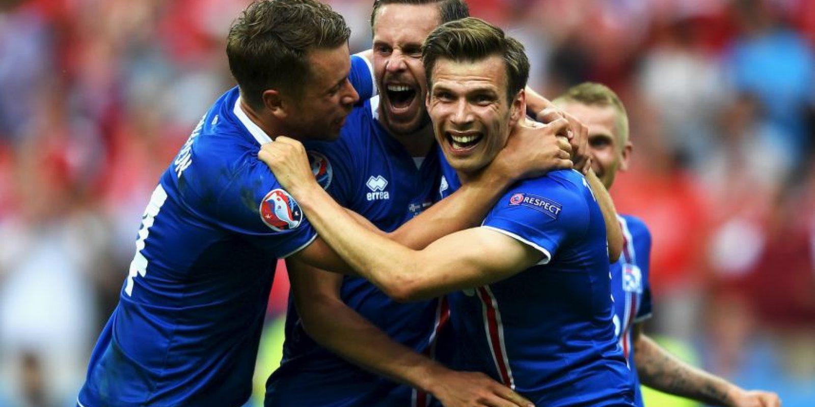 Islandia, por su parte, sorprendió a todos al avanzar a octavos de final en su debut Foto:Getty Images