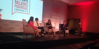 """Más de 300 féminas participan en foro """"Mujeres Poderosas"""" organizado por Forbes"""