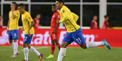 Luego de decepcionar con Brasil en la Copa América Centenario, el delantero encontró nuevo destino Foto:Getty Images