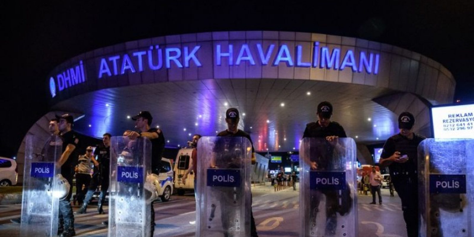 Las imágenes que nos dejó el atentado en el aeropuerto de Ataturk en Turquía Foto:AFP