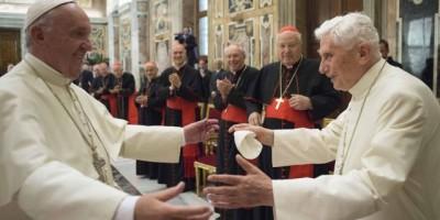 Francisco celebra los 65 años de sacerdocio de Benedicto XVI