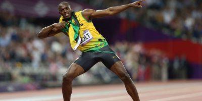 """2- Usain Bolt. Pensar que pueda existir un atleta más veloz que Usain Bolt es casi un sacrilegio. El """"Rayo"""", como es conocido, es el dueño de los récords mundiales de los 100 (9.58 segundos) y 200 (19.19 s) metros lisos, y de la carrera de relevos 4×100 (36.84 s), la cual estableció con el equipo de su natal Jamaica. En su carrera ha conquistado 11 títulos mundiales y seis olímpicos (divididos entre juveniles y superior). Perder no es una palabra que esté en el vocabulario de los seguidores de este velocista. Foto:Fuente externa"""