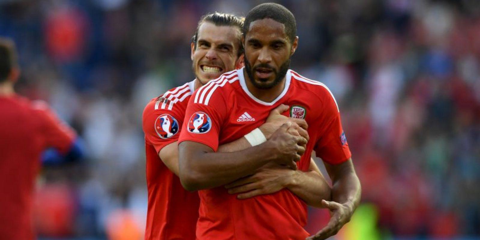 Gales, por su parte, venció a Irlanda del Norte para avanzar a la siguiente ronda Foto:Getty Images