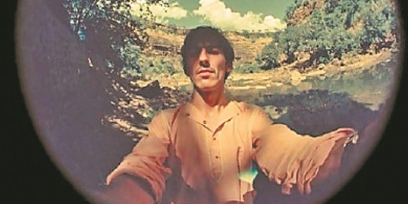El viaje de George Harrison a Bombay resultó en una serie de selfies con mucho estilo. Foto:Internet