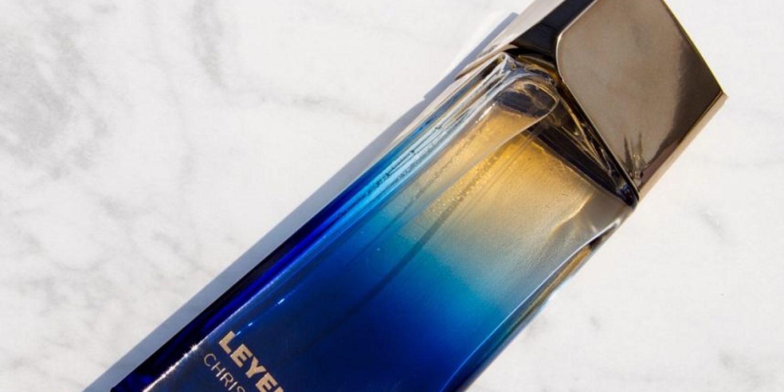 Presentación del frasco del perfume Leyenda Foto:Fuente Externa