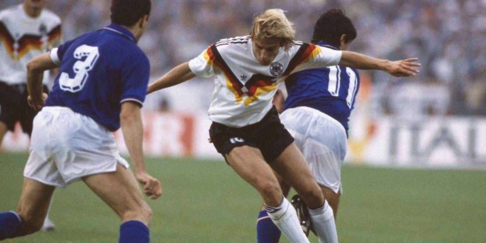 El primer enfrentamiento que tuvieron en la Eurocopa fue en 1988 e igualaron a un tanto Foto:Getty Images