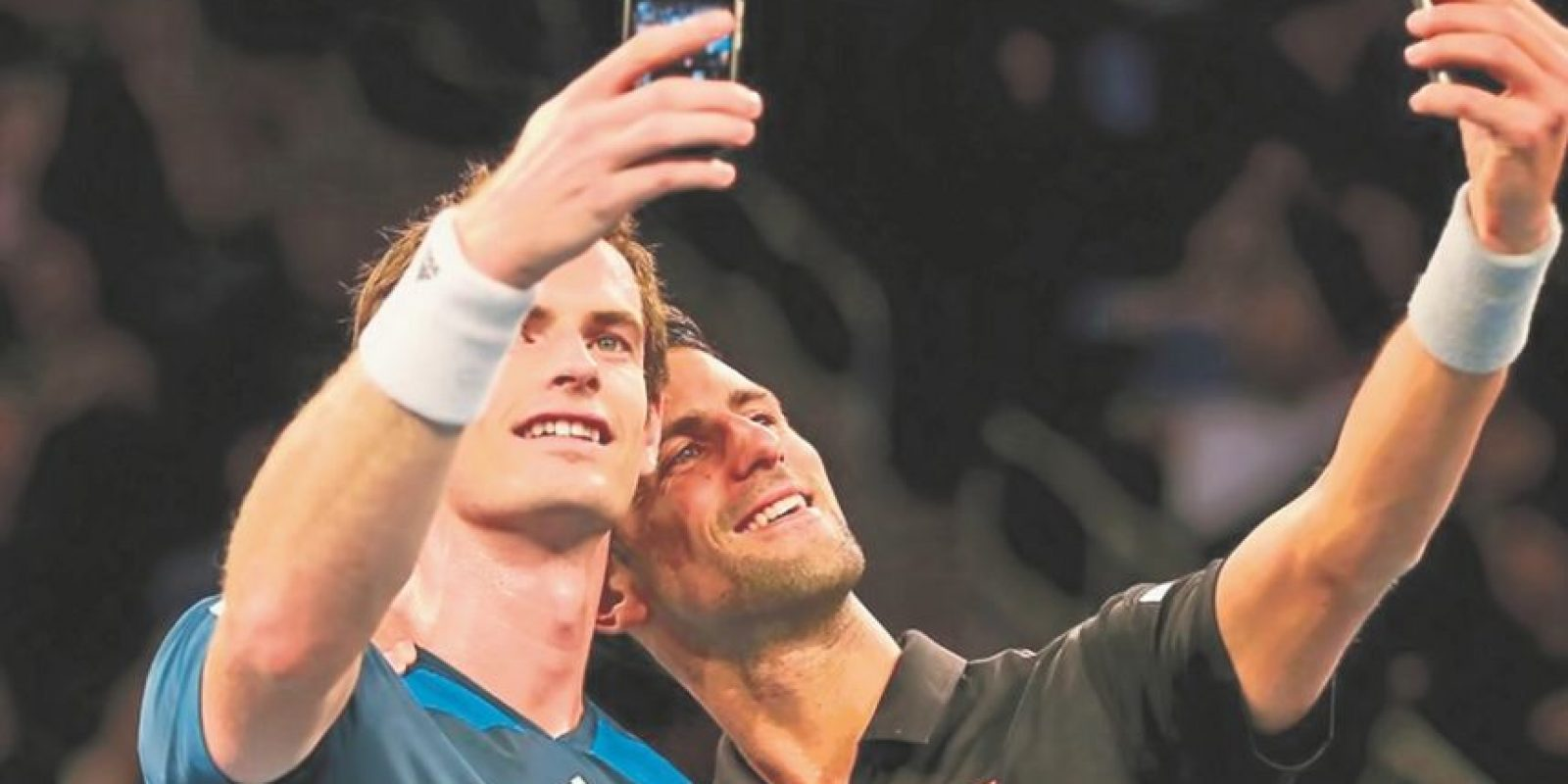 Djokovic y Murray. Rivales encarnizados en la cancha y amigos a la vez, Andy Murray y Novak Djokovic, comparten dos pasiones: el tenis y hacerse fotos. Aquí aparecen ambos en el Madison Square Garden en 2014. Foto:Fuente externa