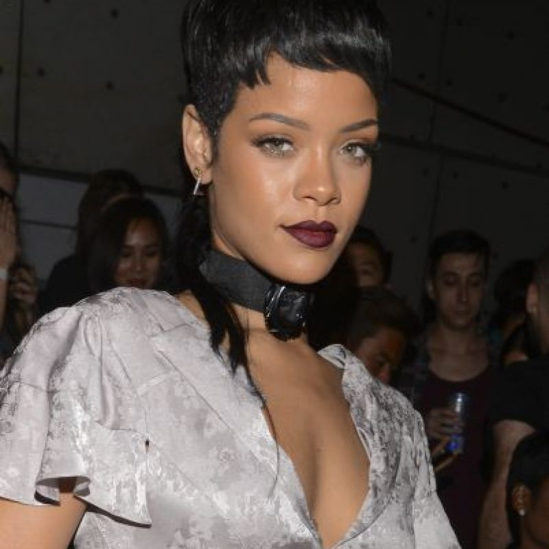 Rihanna suele mostrarse sin sostén Foto:Getty Images