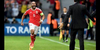Hinchas belgas montan pasillo del campeón para Gales tras derrota