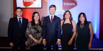 "Tricom lanza en La Vega el ""Triple Play"""