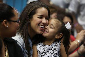 Formar un equipo con su familia o con el trabajador social del niño Foto:Getty Images. Información: adoptuskids.org