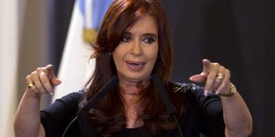 Cristina Fernández rechaza corrupción y pide auditoría