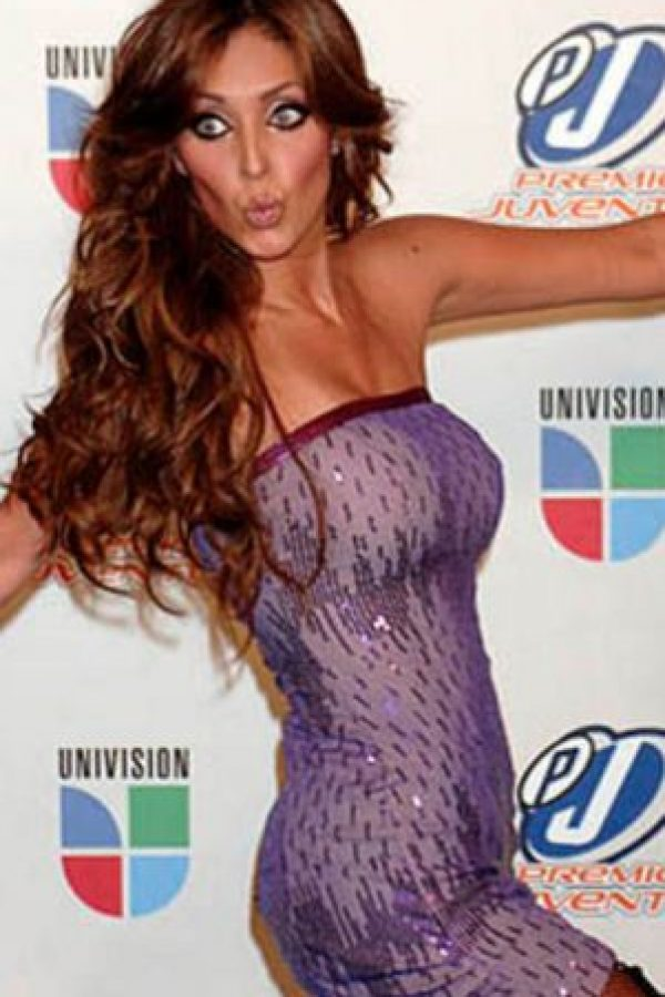 Anahí ha sido criticada por su anorexia. Foto:vía Getty Images