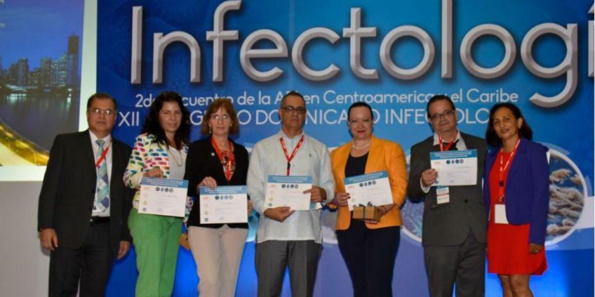 Médicos participan en Congreso Infectología