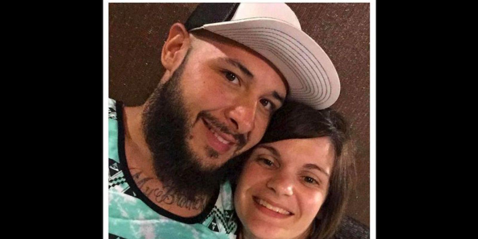 El amor de esta pareja para con su hijo se ha vuelto viral. Foto:Facebook Amy Palmer