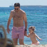Xabi Alonso también está en Ibiza, junto a su familia Foto:Instagram