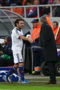 Cuando compartieron en Chelsea, el portugués lo vendió a Manchester United Foto:Getty Images
