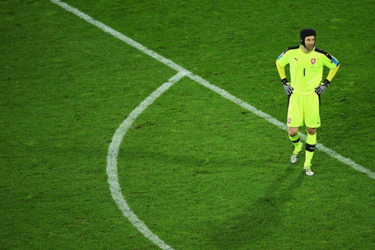 Petr Cech cuelga los guantes Foto:Getty Images