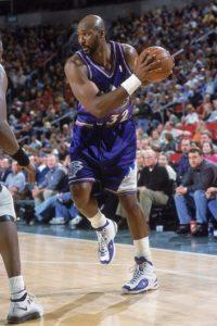 Karl Malone. Fueron 18 temporadas con Utah, pero su último recuerdo en el baloncesto es con Lakers Foto:Getty Images