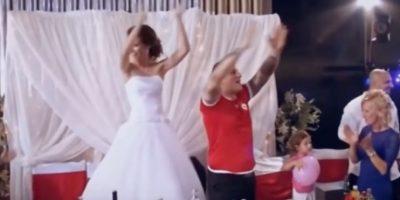 La pareja celebró con todo su matrimonio Foto:Captura de pantalla