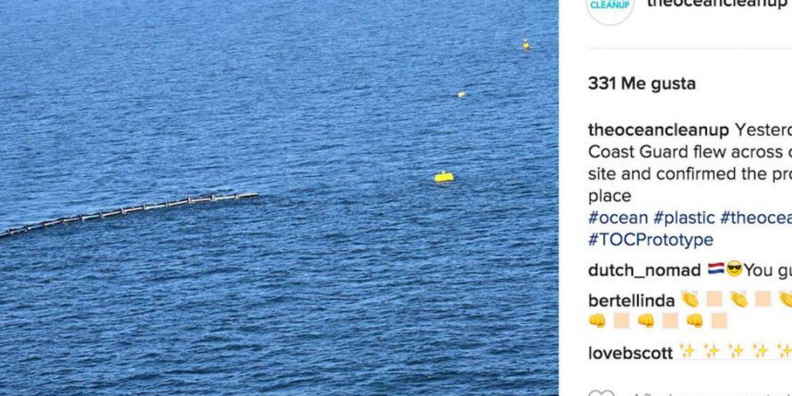 Estos flotantes gigantes se encargarán de limpiar la gran cantidad de basura que flota en el mar. Foto:Instagram theoceancleanup