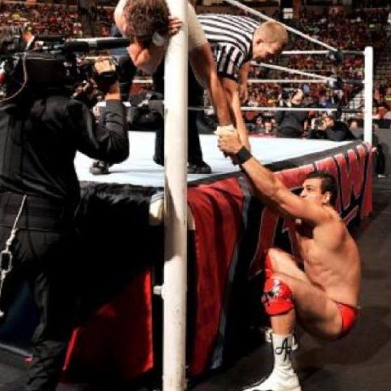 """""""El Patrón"""" ha combinado su carrera en la lucha libre con las artes marciales mixtas Foto:WWE"""