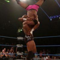 Bobby Lashley. Ha participado en empresas de lucha como WWE, TNA y AAA Foto:WWE
