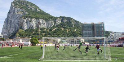 El Victoria Stadium es el recinto que ocupan todos los equipos de Gibraltar Foto:AFP