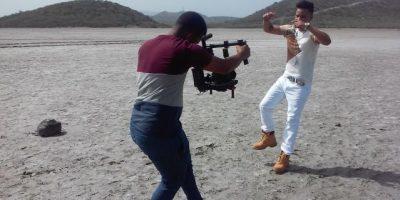 Crazy Jow graba videos de tres   de sus temas en Dominicana