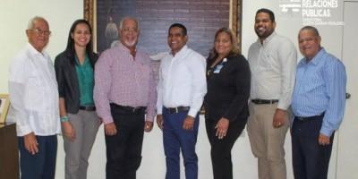 Landestoy recibe en Baní alcaldes electos interesados en su gestión