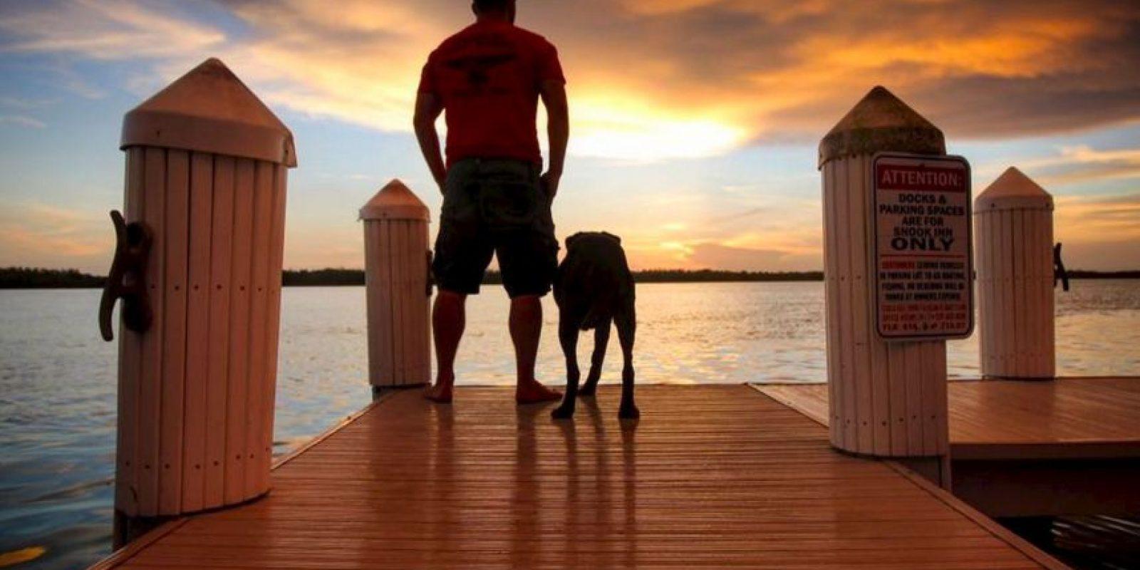 """""""Díganme, ¿hay una mejor manera de que comenzar la mañana que disfrutar el nacimiento de un nuevo día con alguien que aman a su lado?"""". Robert Kugler Foto:Facebook Robert Kugler"""