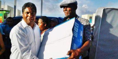 Gobernación Provincial Barahona entrega raciones alimenticias