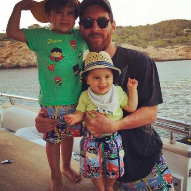 El argentino disfruta al lado de sus hijos Thiago y Mateo. Foto:Vía instagram.com/antoroccuzzo88