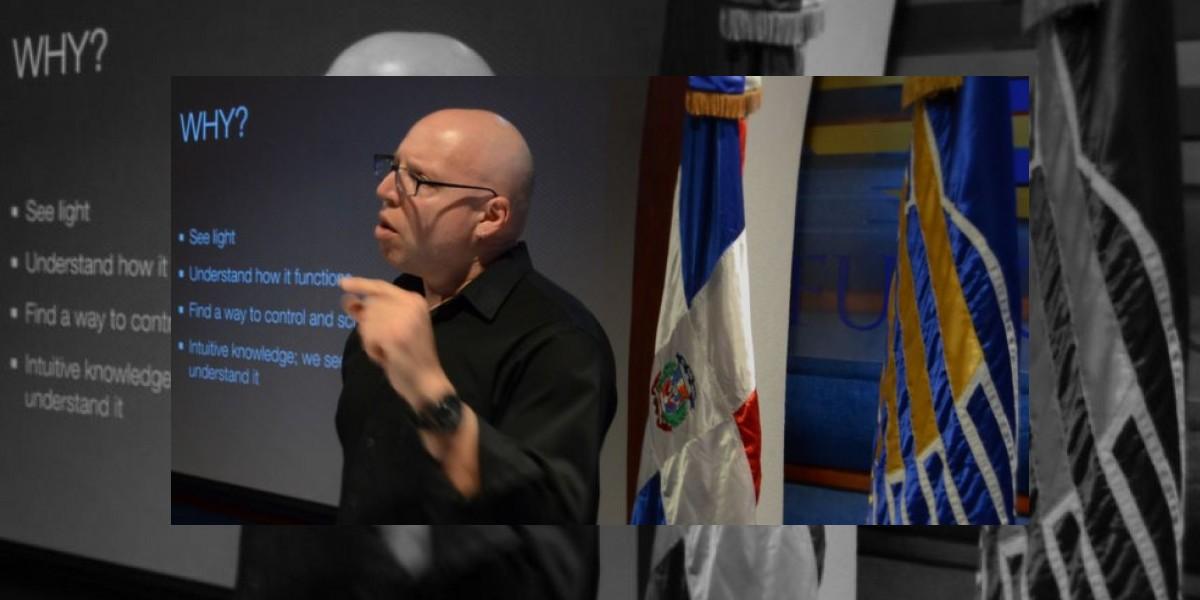 El director de fotografía de la New York Film Academy, David Mager, hoy en Funglode