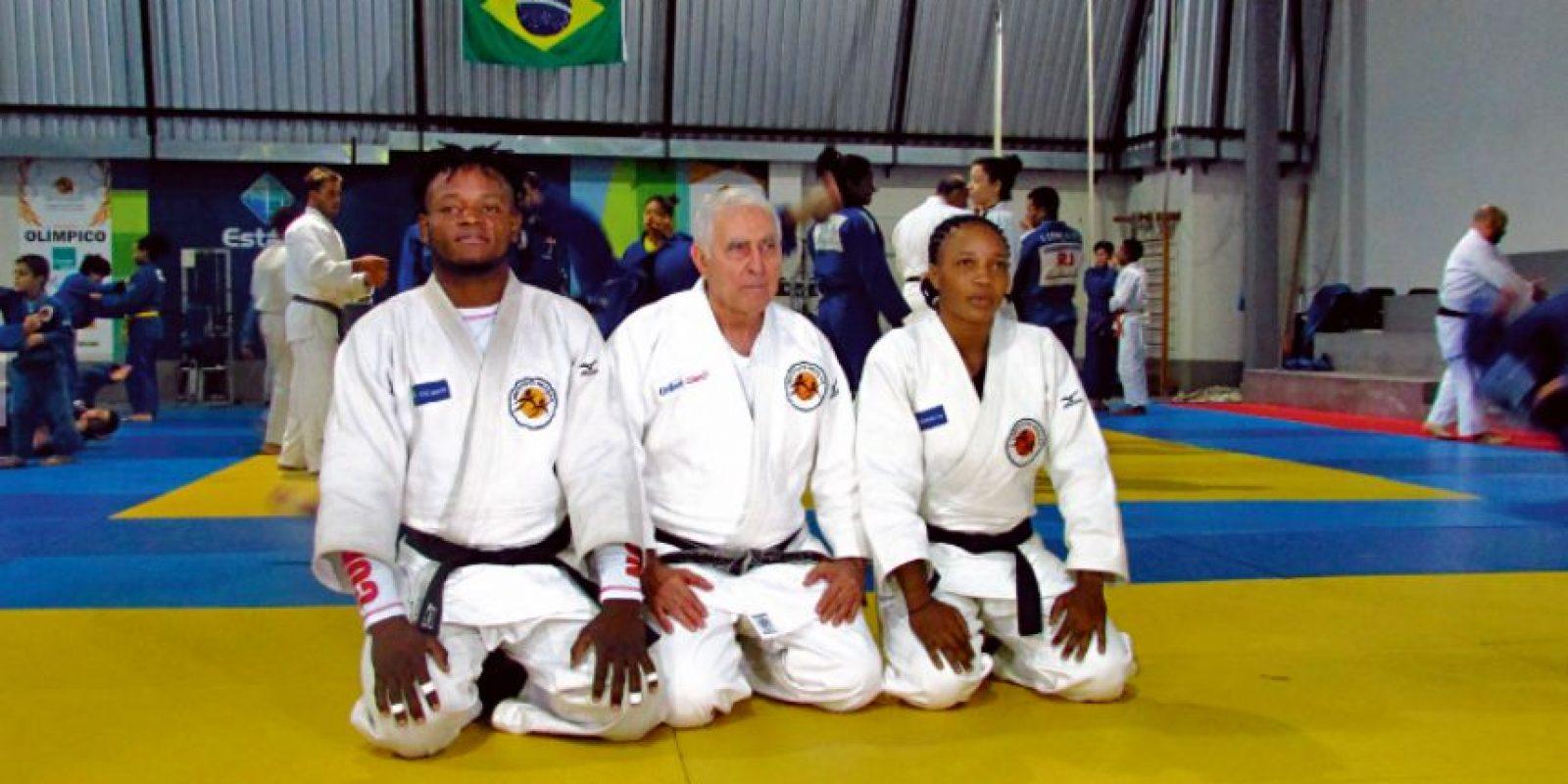 Popole, el sensei Geraldo Bernardes y Yolande en el Instituto Reação Foto:Fuente Externa