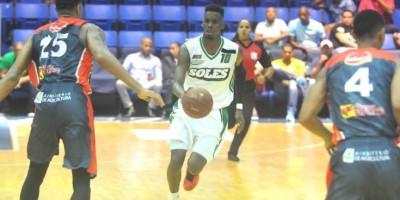 Suero y Carmona conducen cuarta victoria en línea de Soles SDE en torneo LNB